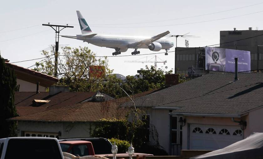 LAX runway separation plan advances, over groups' objections