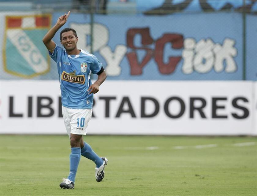 En la imagen, Roberto 'el Chorrillano' Palacios, emblema del Sporting Cristal. EFE/Archivo