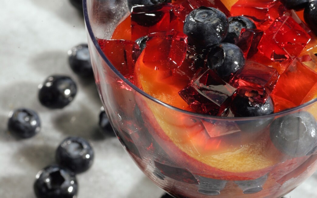 Rose jelly with nectarines and blueberries