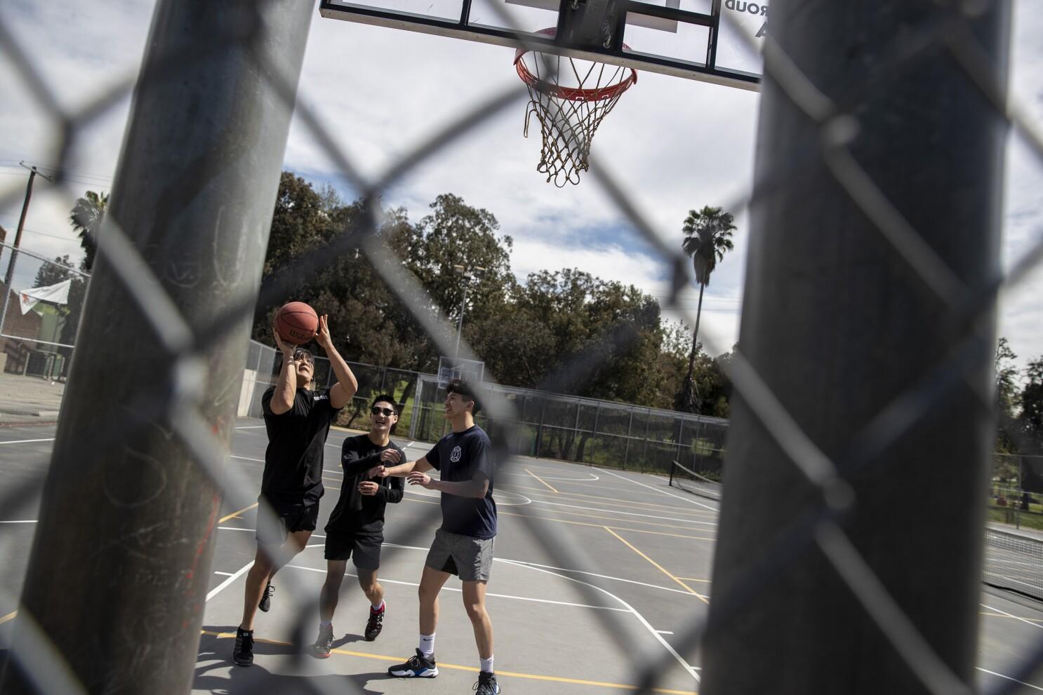 Coronavirus California Parks Still Open To An Extent Los Angeles Times