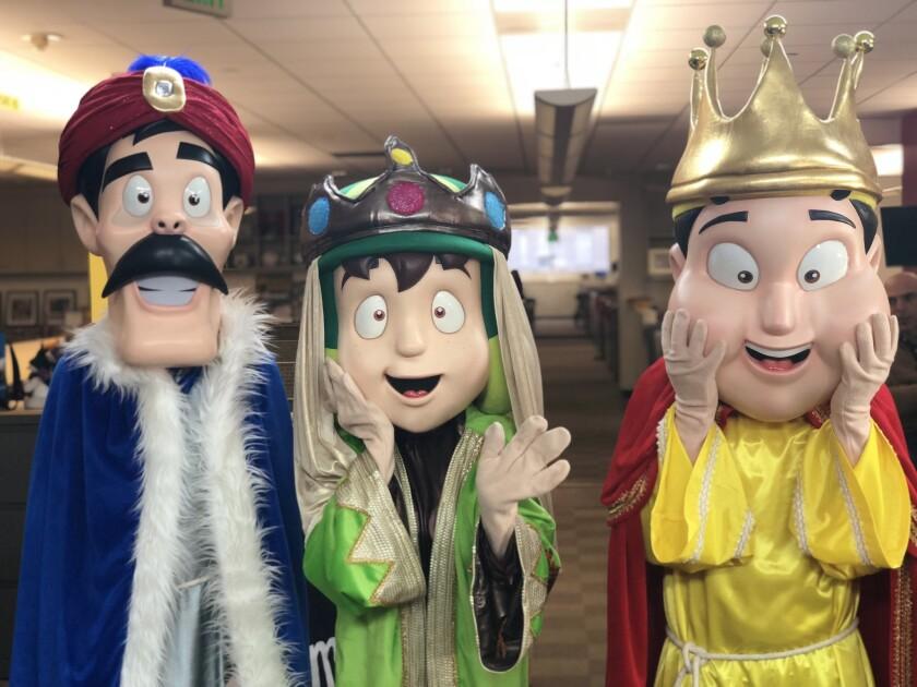 Los personajes de El Chavo de visita en las instalaciones del peri—dico HOY, quienes forma parte de la campana Toma Leche en una gira que imulsan por todo California.