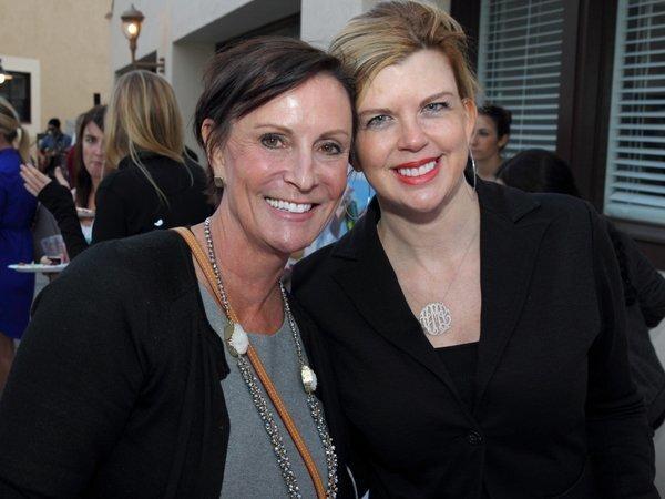 Julie Leigh, Amy Murdoch