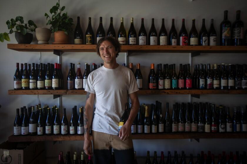 la-photos-1staff-464507-la-fo-psychic-wines-natural-wine-silver-lake-06.FO-16133