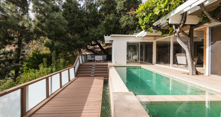 Paul Buckmaster's Midcentury home | Hot Property