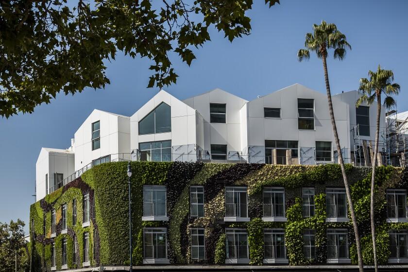 Complexe de condos MAD Architects Gardenhouse sur le boulevard Wilshire.