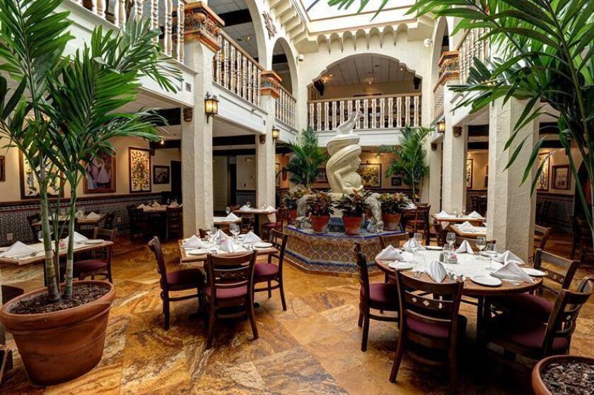 Fotografía promocional cedida por Columbia Restaurant Group donde se observa el patio interior del Columbia Restaurant en la ciuda de San Agustín, Florida. EFE/Columbia Restaurant Group/SOLO USO EDITORIAL/NO VENTA