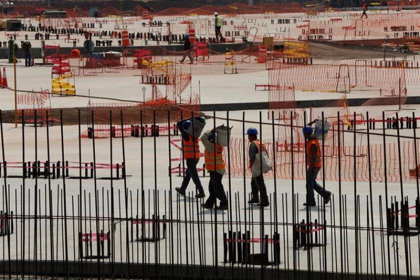 Vista general de la construcción del Nuevo Aeropuerto de México ubicado en el municipio de Texcoco, en Estado de México (México). EFE/Archivo