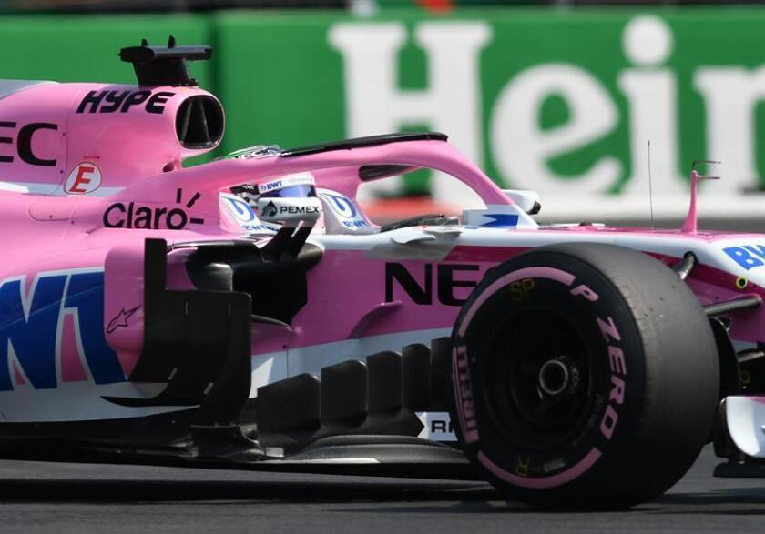 El piloto mexicano Sergio Pérez de Force India durante la segunda práctica libre hoy, viernes 26 de octubre de 2018, previo al Gran Premio de Formula Uno celebrado en el Autódromo Hermanos Rodríguez, en Ciudad de México (México). EFE