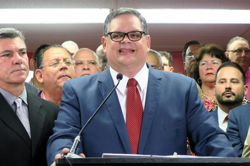 El presidente electo del opositor Partido Popular Democrático (PPD) de Puerto Rico, Aníbal José Torres, presenta el martes 16 de octubre de 2018, en San Juan, su plan de acción de cara a dirigir dicha colectividad a partir del 2 de diciembre. EFE/Archivo