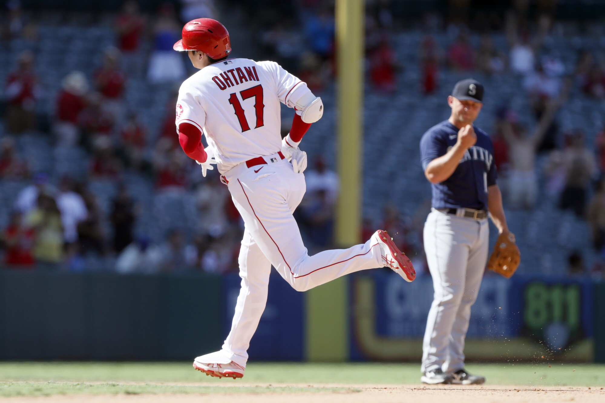 Shohei Ohtani hit his 34th home run, but the Angels lost to the Mariners on Sunday. (AP Photo/Alex Gallardo)