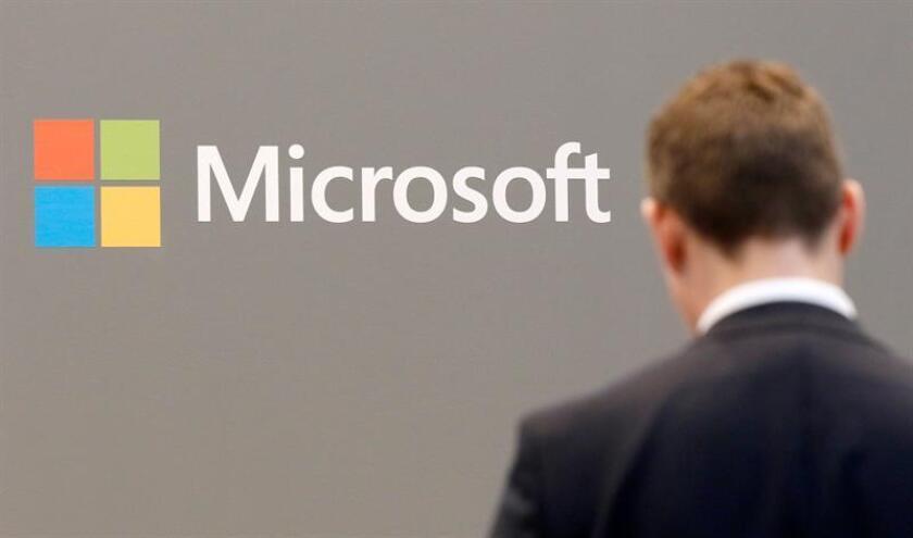 Fotografía de archivo de un logo de Microsoft. EFE/Archivo
