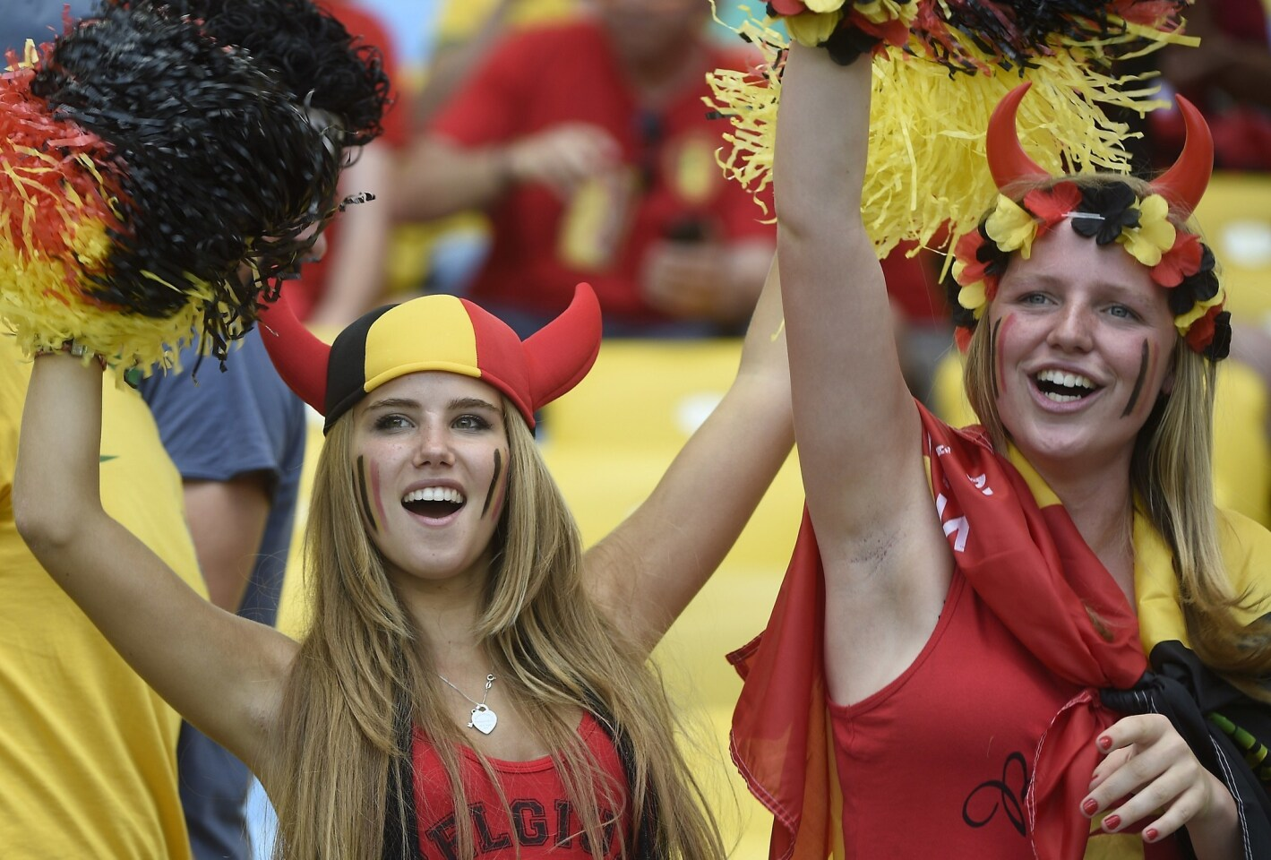 FBL-WC-2014-MATCH31-BEL-RUS-FANS