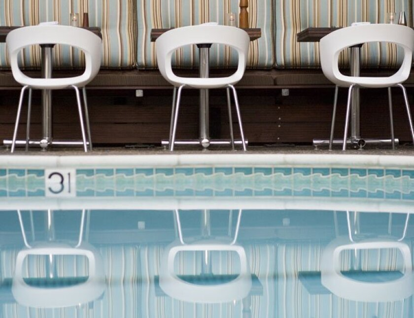 The Pearl Hotel offers a dinner menu daily, Sunday brunch and movie screenings by the pool.