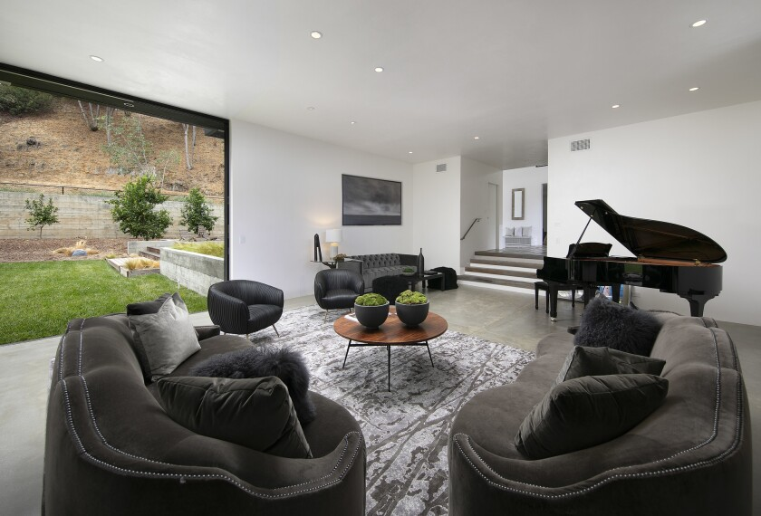 Celebrity Dining: Stephan Moccio has parted with his piano-friendly home in Pacific Palisades.