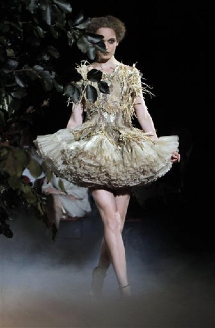 The Naked And The Dead At Paris Couture The San Diego Union Tribune