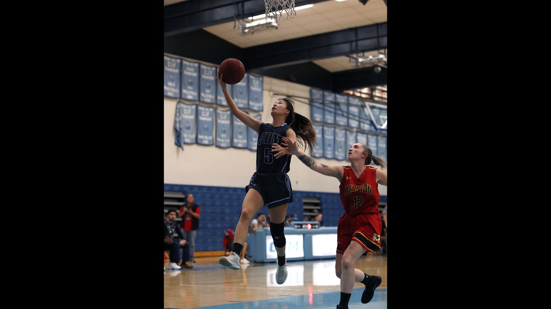 Photo Gallery: Corona del Mar vs. Mission Viejo in girls' basketball