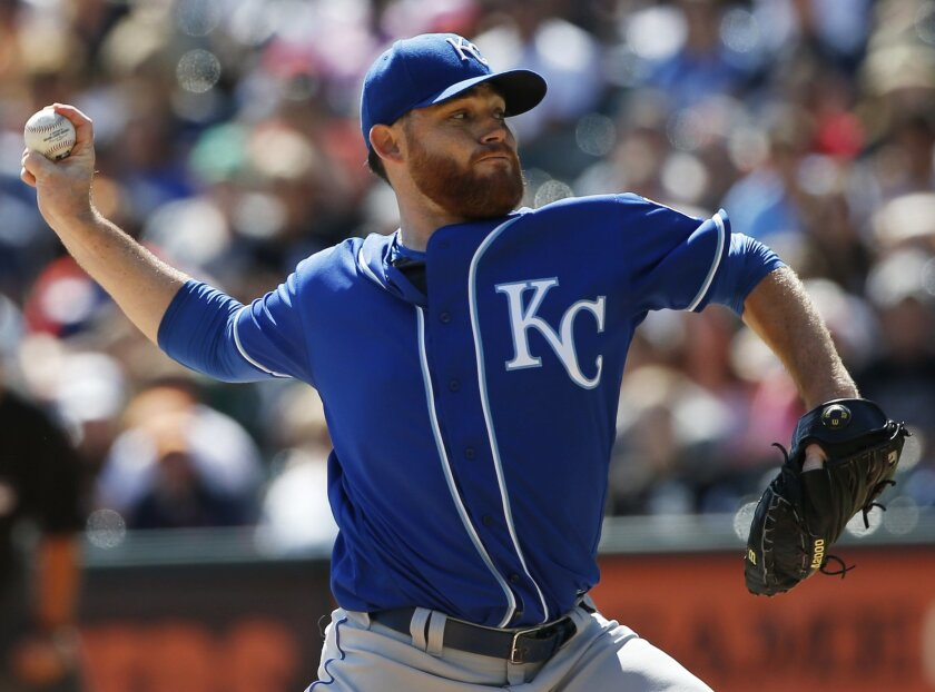Kansas City Royals starter Ian Kennedy throws against the Chicago White Sox during the first inning of a baseball game Sunday, Sept. 11, 2016, in Chicago. (AP Photo/Nam Y. Huh)