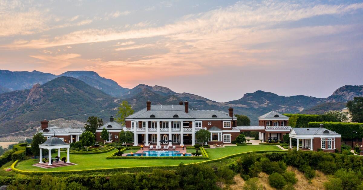 Wayne Gretzky eyes $22.9 million for Thousand Oaks estate