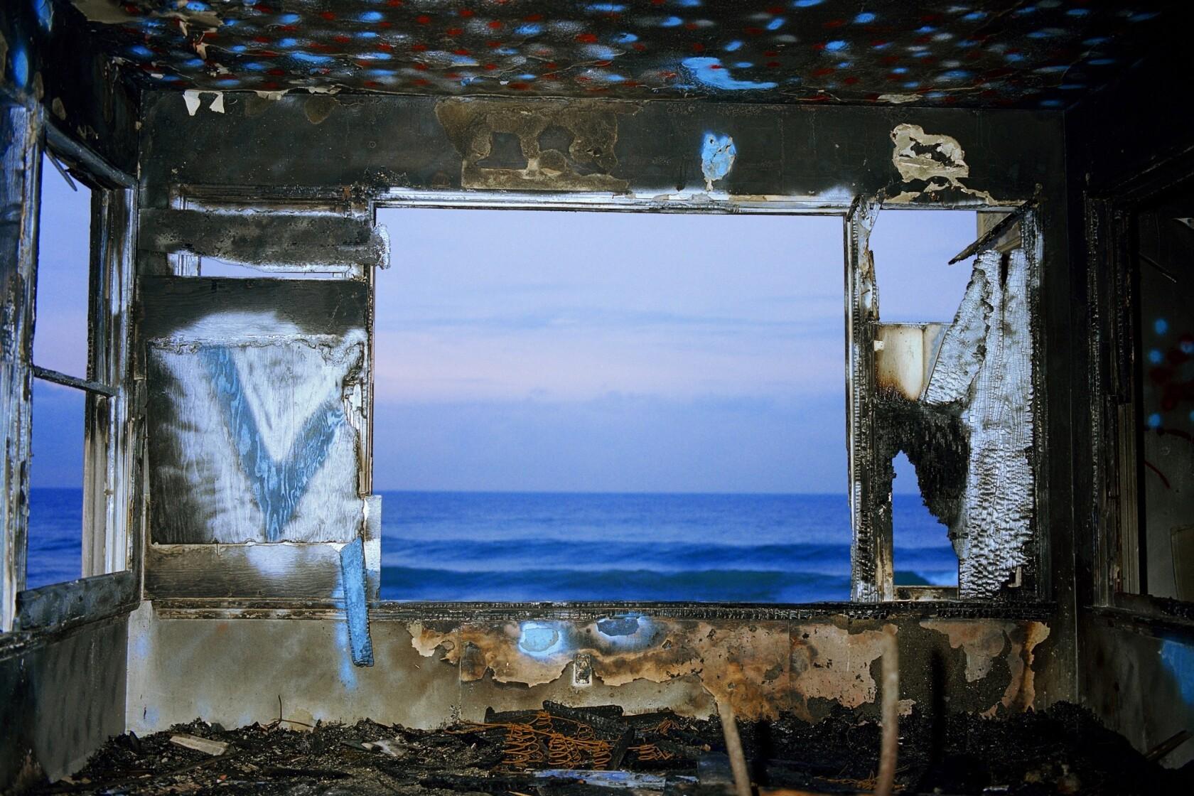 In John Divola's photographs, an elusive presence - Los Angeles Times