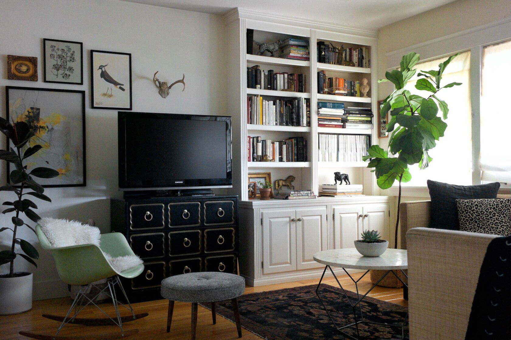 How to make 800 square feet feel twice the size - Los