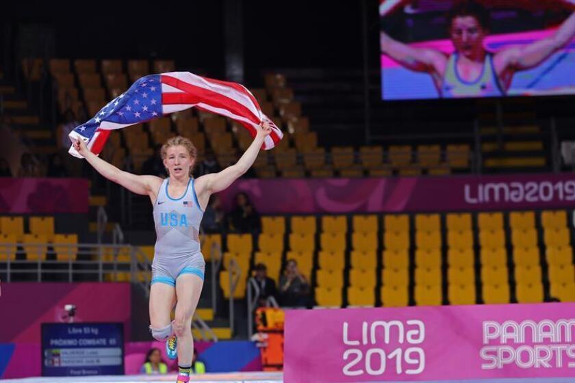Un forzudo y hábiles luchadoras garantizan medallas a EE.UU. y Cuba