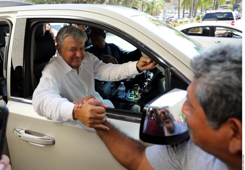 Andrés Manuel López Obrador aseguró que el PAN le hizo lo mismo que el Gobierno del PRI le está haciendo a Ricardo Anaya.