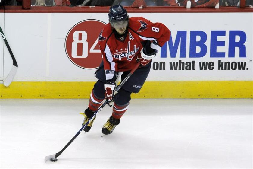 En la imagen, el jugador Alex Ovechkin de los Capitals de Washington. EFE/Archivo