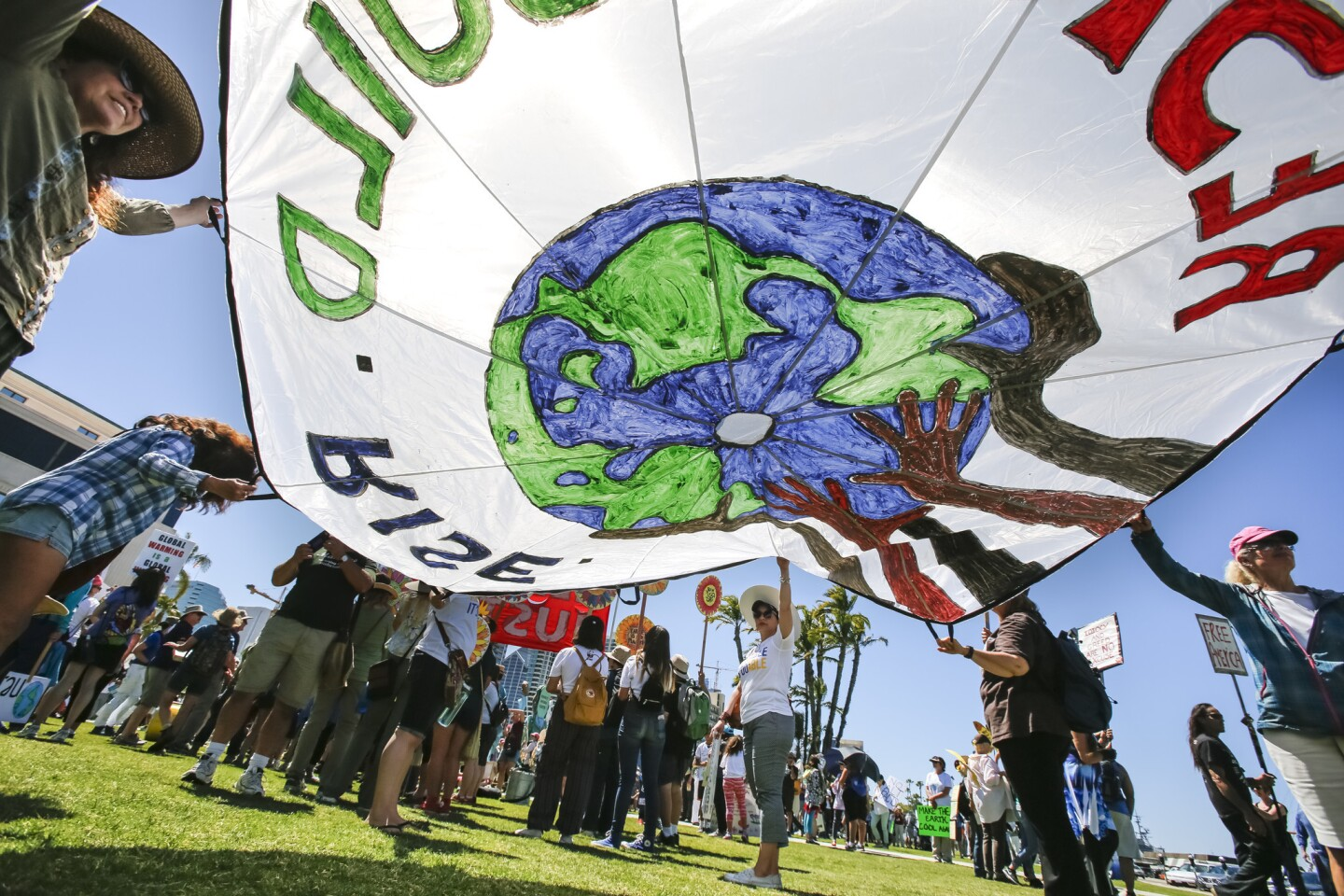 About 5,000 people participated in the People's Climate March, San Diego, which started on the steps of the San Diego County Administration Building with speeches and music before marchers took to the nearby streets to voice their opinions and concern over climate change and the Trump Administration's opposition to it. |