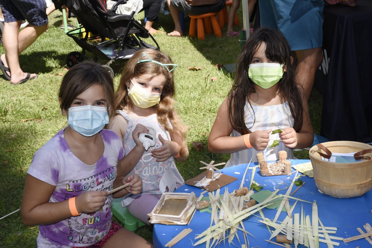 Rose, Ayva, and Veidachanel enjoyed to the crafts