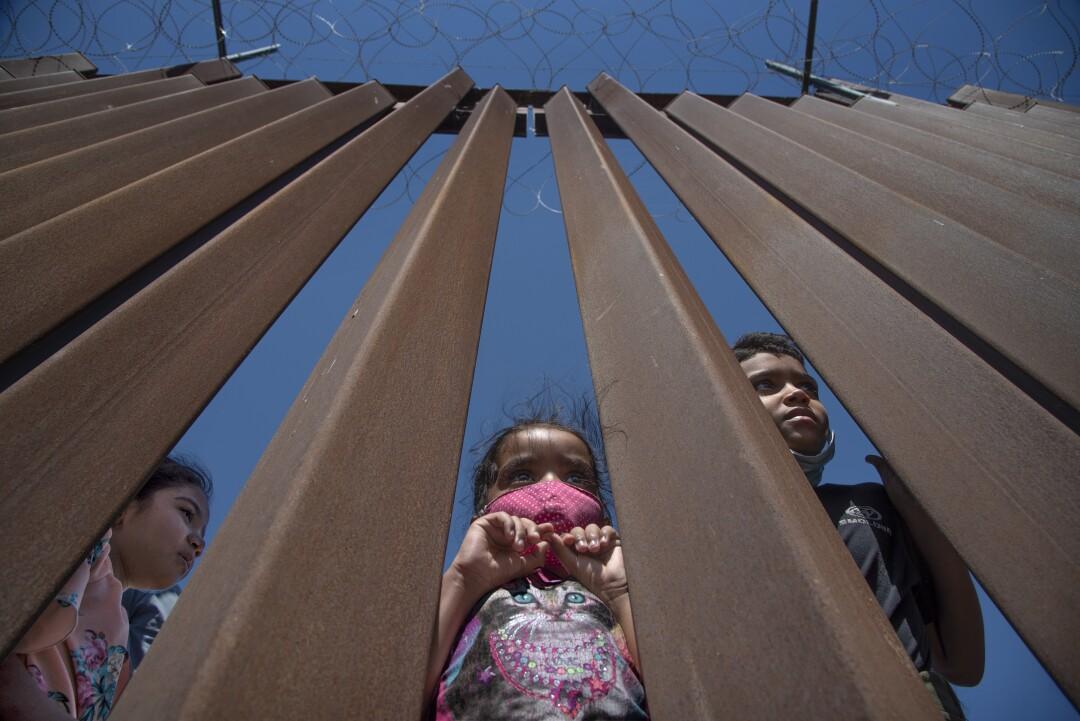 bartletti-border-fence-children-2021.jpg