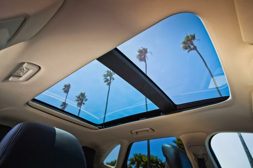 The panoramic Vista Roof.