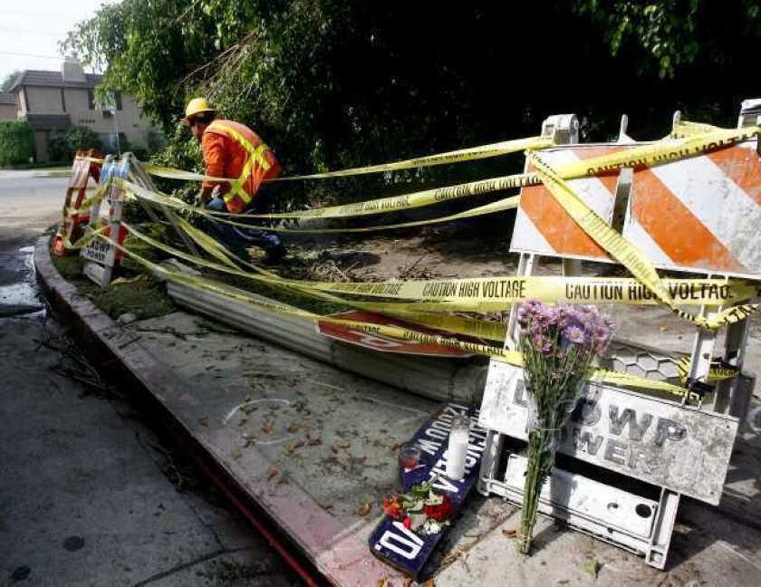 Witness describes chaotic scene after two women electrocuted
