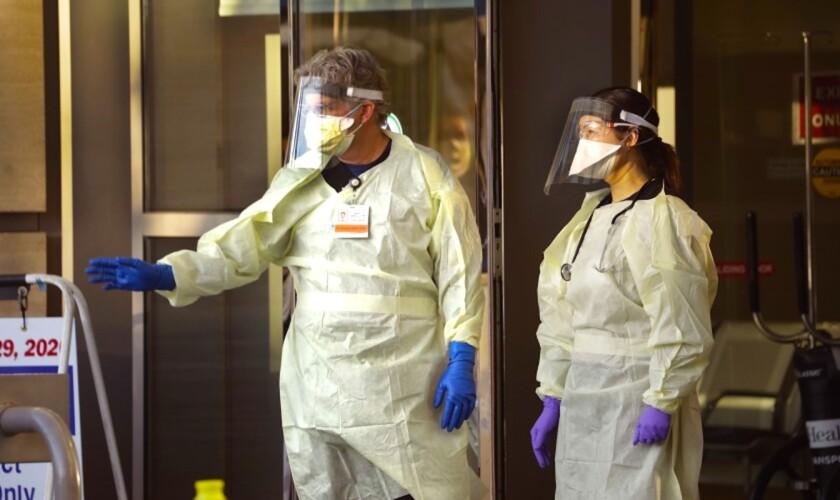 """Casa Blanca avisa: EEUU no podrá """"controlar la pandemia"""""""