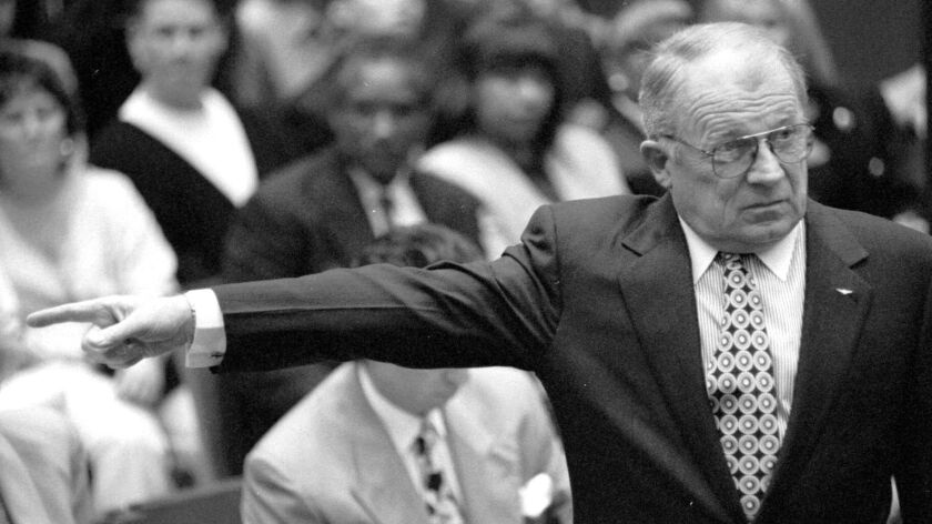 Defense attorney F. Lee Bailey gestures during the 1995 O.J. Simpson criminal trial.