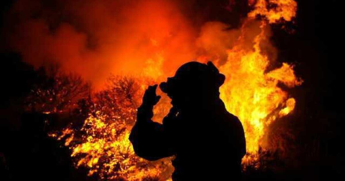 Wachsende Feuer bedrohlich macht Kalifornien Abteilungen nur ungern gegenseitig zu helfen
