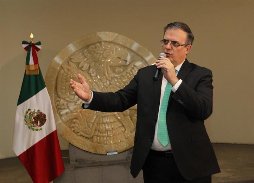 El secretario de Relaciones Exteriores de México, Marcelo Ebrard, habla durante una rueda de prensa en Ciudad de México (México). EFE/Archivo
