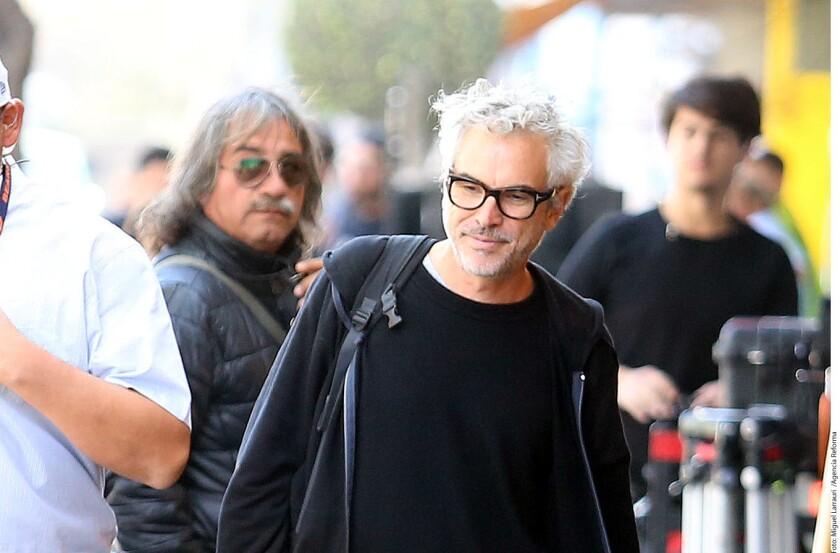 """Por segundo día consecutivo, Alfonso Cuarón tomó las calles de la Ciudad de México para revivir la represión estudiantil de 1971 conocida como """"El Halconazo""""."""