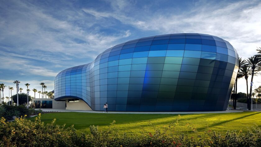 Aquarium of the Pacific / Pacific Visions / EHDD / Clark Construction / Photography by Tom Bonner -