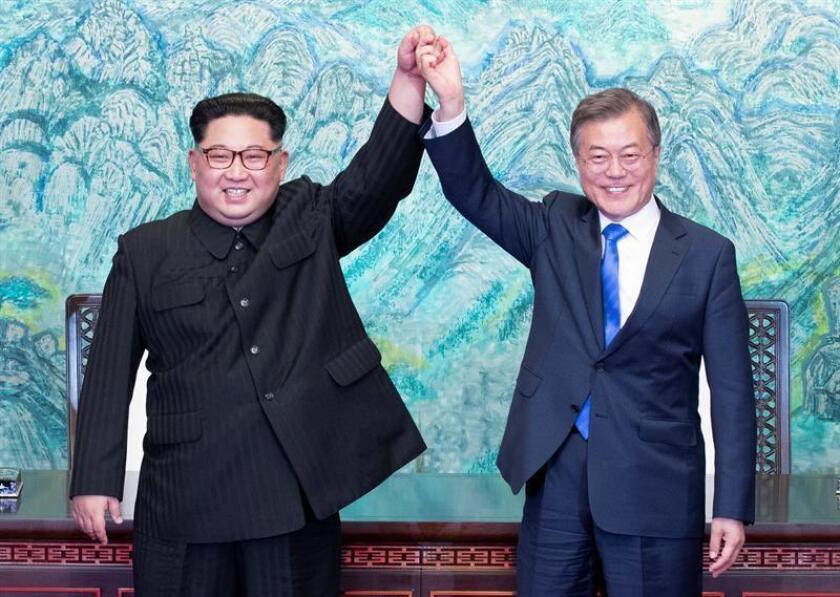 Trump dice que la guerra de Corea ha terminado tras la cumbre de Moon y Kim