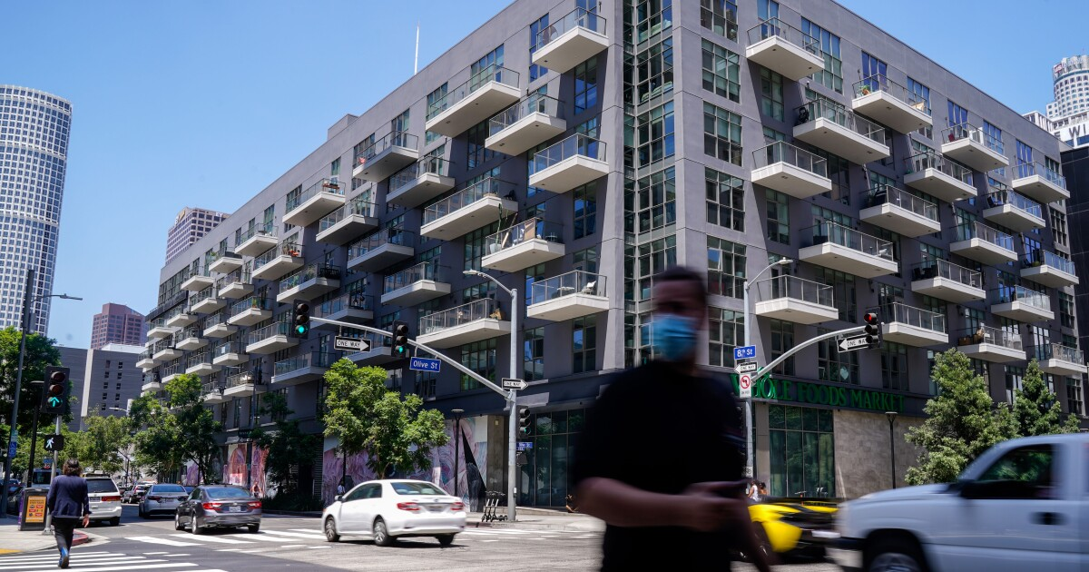 L.A. rent is falling with some big drops in luxury buildings