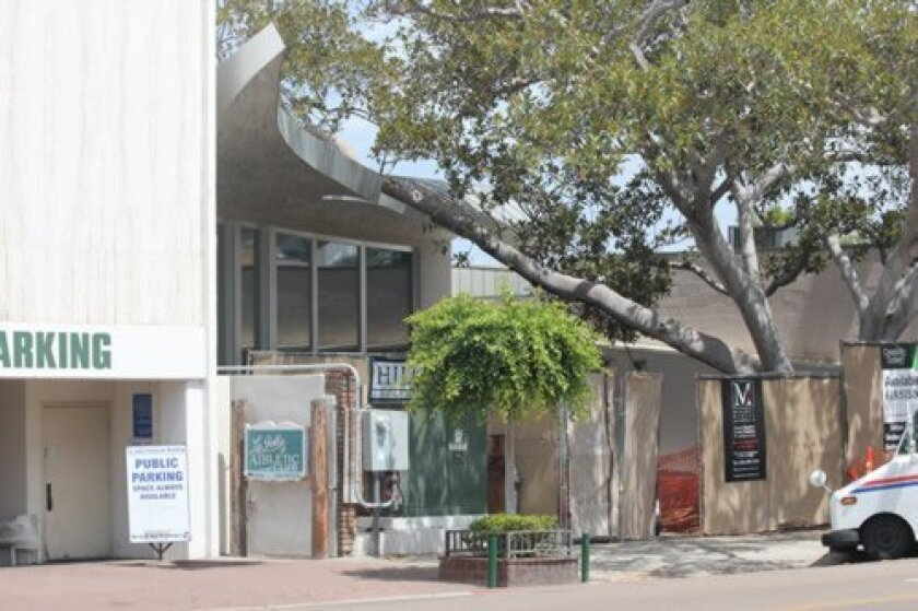 The former Top of the Cove site, which has undergone a significant exterior and interior renovation by La Jolla's Marengo Morton Architects, is scheduled to reopen in Fall 2015 as Duke's seafood restaurant. One of two beloved ficus trees on the property was incorporated into the des