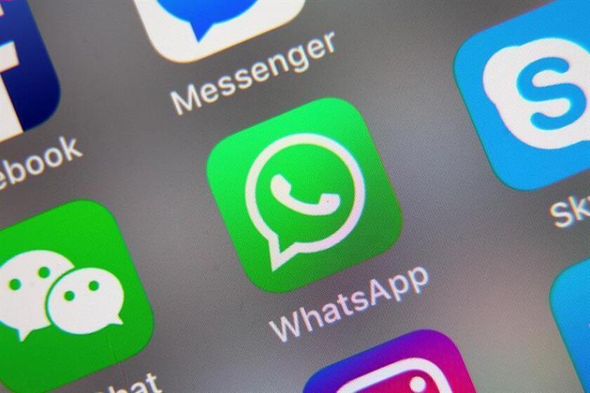 Las aplicaciones de mensajería instantánea como Whatsapp han permitido a los jóvenes de la comunidad indígena tsotsil -en la cual los adolescentes no pueden interactuar con el sexo opuesto sin mediación de los padres- experimentar el amor, informó hoy el Consejo Nacional de Ciencia y Tecnología (Conacyt). EFE/EPA/Archivo