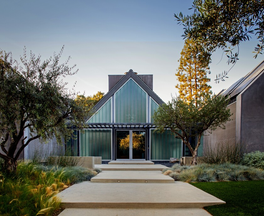 Recycled glass gives a distinctive look to the modern Home of the Week in Pasadena's Oak Knoll neighborhood.