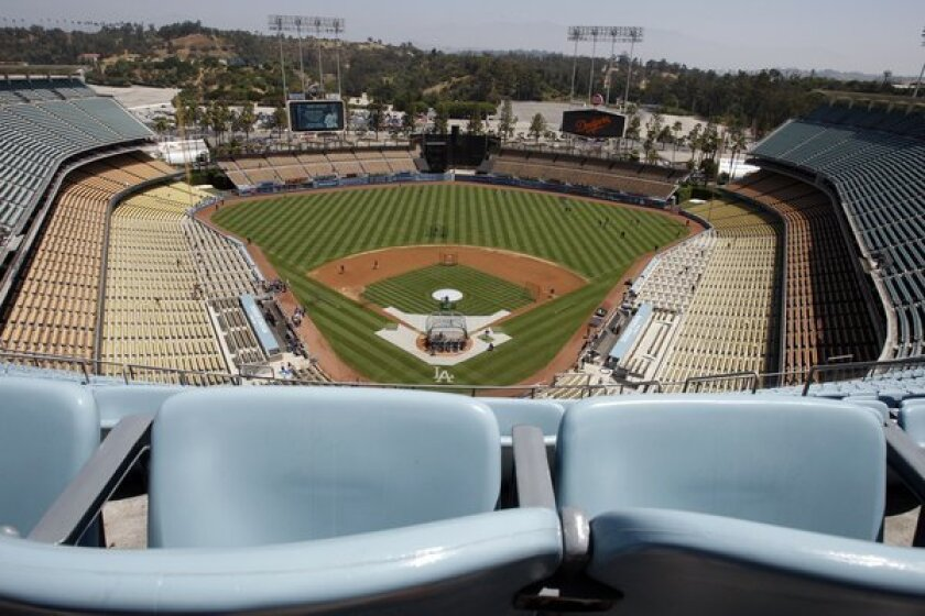 Kings-Ducks outdoor game at Dodger Stadium is confirmed by NHL