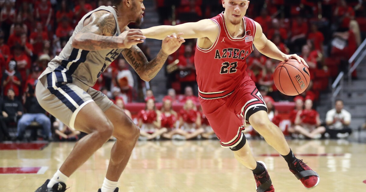 3 thoughts: No. 4 SDSU 72, Boise State 55 ... Pitino on Flynn, switching screens and a nimble Mitchell