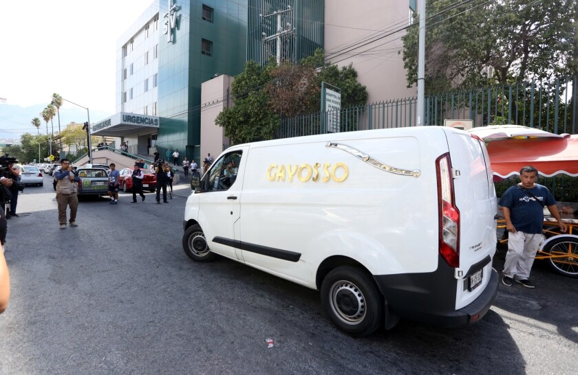 Al Hospital San Vicente llegó caminando Celso Piña