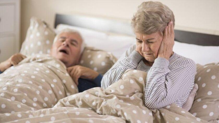 Cuando su esposo John la atacó por primera vez mientras dormía y la hizo sangrar, Liz* se dio cuenta de que ya no podía seguir compartiendo cama con él.