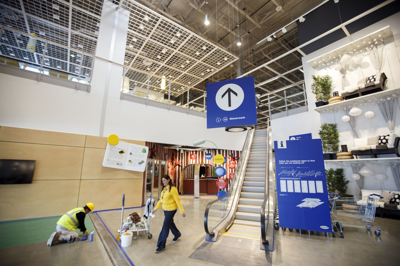 Burbank opens the largest Ikea in America. Take a tour - Los ...