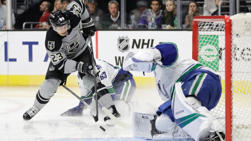 Kings give up late goal, but beat Canucks, 4-3, in shootout