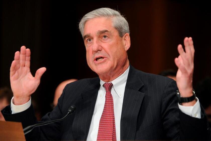 """Robert Mueller comparece ante los miembros del comité judicial de Senado estadounidense, con motivo de la audiencia """"Supervisión del FBI"""" celebrada el miércoles, 28 de julio de 2010, en el Capitolio en Washington, (Estados Unidos). EFE/Archivo"""